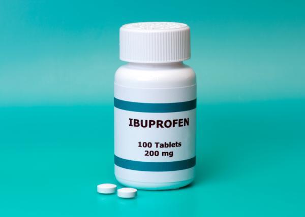 ¿Se puede tomar ibuprofeno y naproxeno juntos? - Para qué sirve el ibuprofeno - prospecto