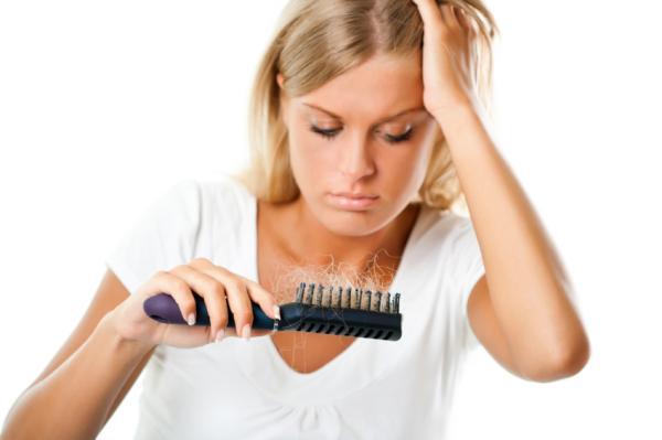 Por qué se cae el cabello en la lactancia