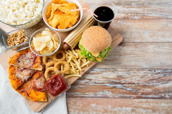 Alimentos prohibidos para las hemorroides - Lista de alimentos prohibidos para las hemorroides