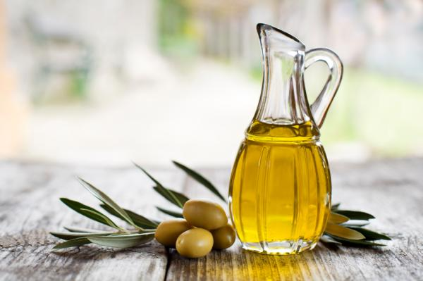 Alimentos que aumentan la testosterona - Aceite de oliva extravirgen