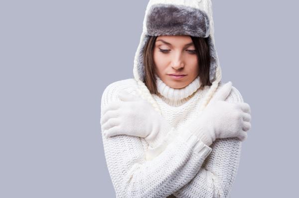 Manos moradas: causas - Manos moradas por el frío: vasoespasmo