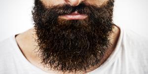 Cómo hidratar la piel debajo de la barba