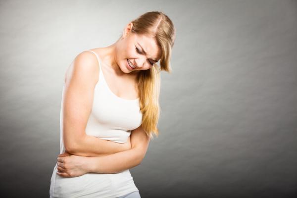Pinchazos en intestino grueso