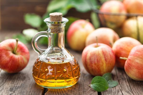 Remedios caseros para la picazón de ano - Vinagre de manzana, antiinflamatorio y analgésico