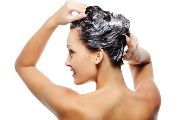 Glicerina para el cabello: beneficios y cómo usarla - Jabón de glicerina para el pelo