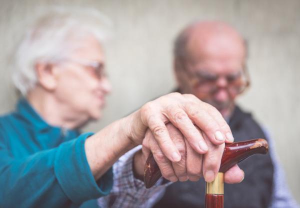Temblor en el brazo izquierdo: causas y tratamiento - Temblor en el brazo izquierdo por Parkinson