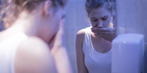 Vómito negro: causas y tratamiento