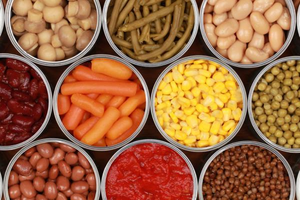 Los 10 peores alimentos para la salud - Alimentos enlatados, ni los solteros los deberían recomendar