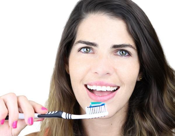Por qué me dan arcadas cuando me cepillo los dientes - Técnica de cepillado