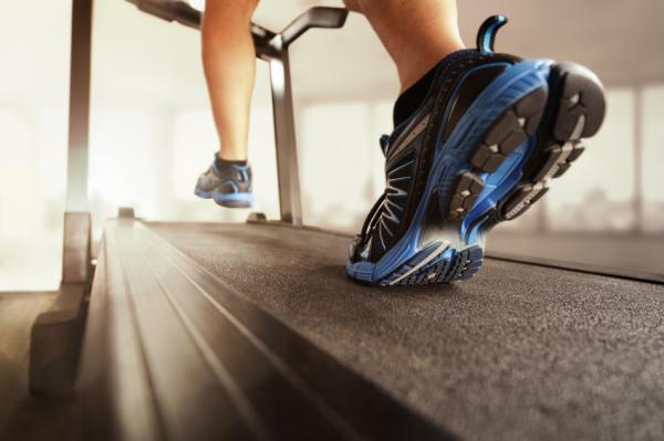 Causas del dolor en la planta del pie - Dolor en la planta del pie al andar por exceso de actividad física