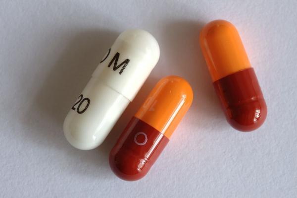 ¿Puedo tomar Omeprazol con diarrea?