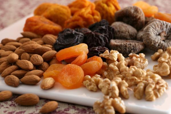 ¿Los frutos secos engordan? - Calorías por cada 100 gramos