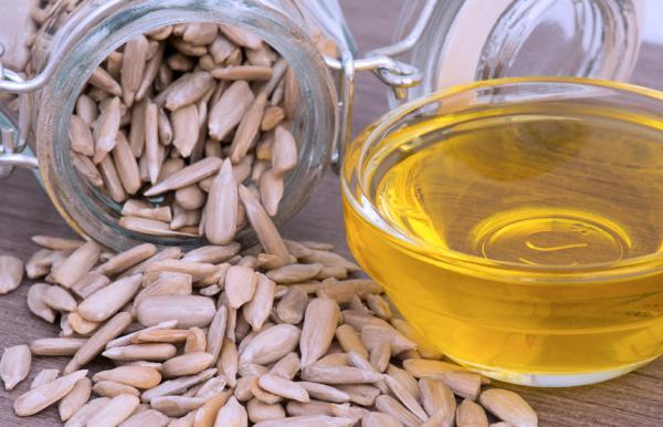 Alimentos ricos en vitamina B5 - Semillas de girasol, nutritivas y con gran cantidad en ácido pantoténico
