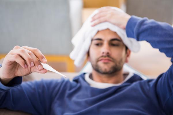 Cómo bajar la fiebre en adultos en casa - Remedios caseros para bajar la fiebre