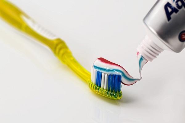Remedios caseros para las picaduras de mosquitos - Pasta dental de menta