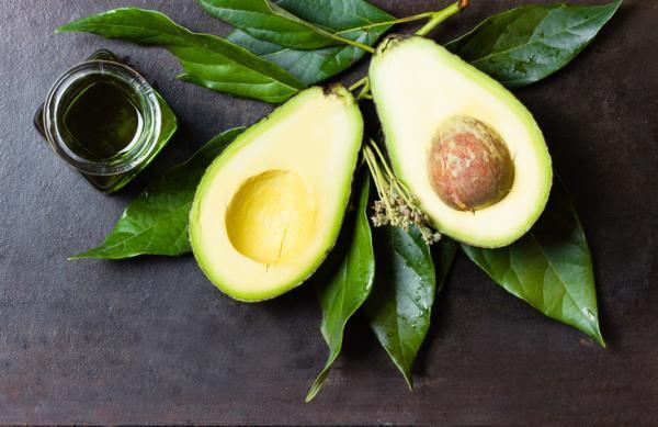 Alimentos para bajar la glucosa en sangre - Aguacate