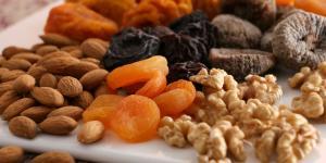 ¿Puedo comer frutos secos por la noche?