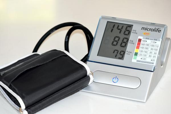 ¿Es normal que la presión arterial suba y baje?