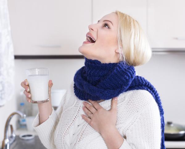 Aftas en la garganta: por qué salen y cómo curarlas - Remedios caseros para las aftas en la garganta
