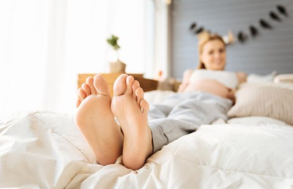 Remedios caseros para los pies hinchados en el embarazo