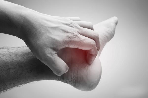 Por qué se pelan los pies - Causas de la descamación de los pies