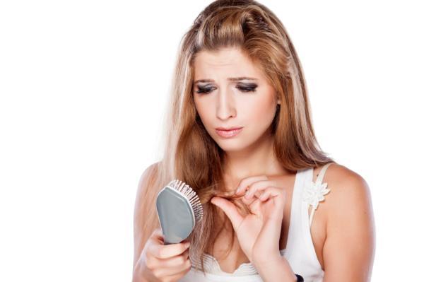 Caída del cabello: causas y soluciones - Caída del cabello: causas