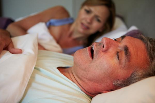 Cómo dejar de dormir con la boca abierta - Por qué duermo con la boca abierta - causas principales