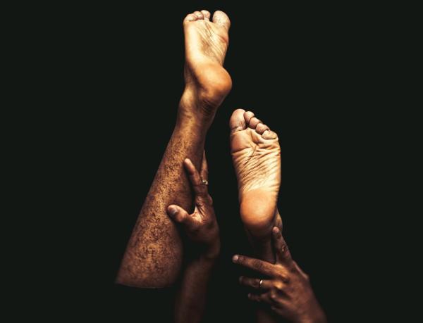 Formigamento nas pernas e pés: causas