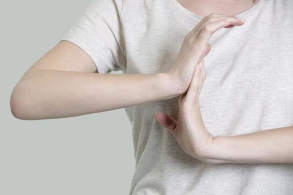 Formigamento nas pontas dos dedos: causas - Formigamento nas pontas dos dedos: causas comuns