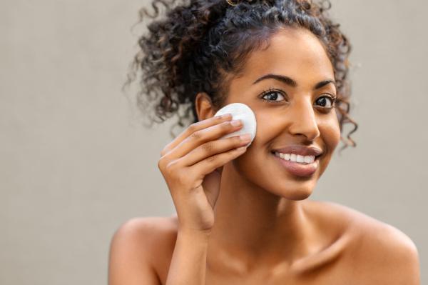 Como tirar oleosidade do rosto com tratamentos caseiros - Como cuidar da pele oleosa