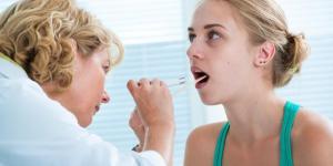Bolha embaixo da língua: causas