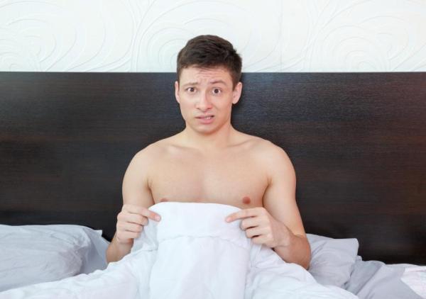 Bolinha no pênis: causas - Bolinhas na glande: Verrugas genitais, feridas ou úlceras