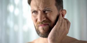 Espinha dentro da orelha: causas e o que fazer