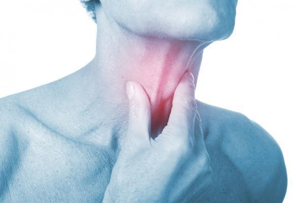 Sensação de caroço na garganta: o que pode ser?