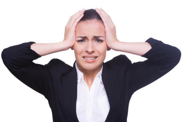 Menstruação adiantada: causas - Estresse e mudanças bruscas de horários ou clima