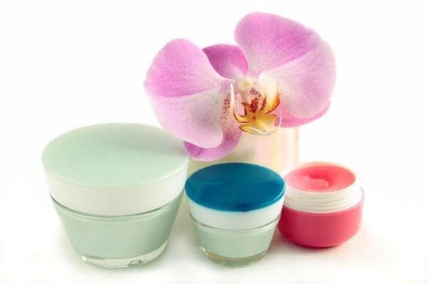 Tratamento caseiro para lubrificação feminina - Vaselina: lubrificante natural