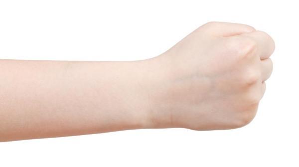 Dor no dedo polegar: causas e como aliviá-la - Dor no dedo polegar, o que fazer: punho