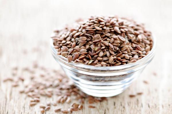 Alimentos que aumentam o estrogênio - Sementes de linhaça
