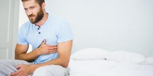 Dor nas costelas ao respirar: causas e soluções