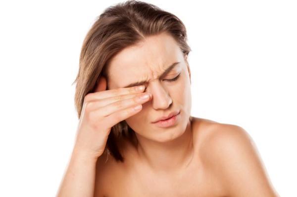 Sensação de areia nos olhos: causas
