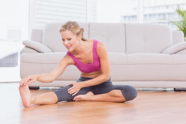 Como ganhar flexibilidade nas pernas rápido - Exercícios para ganhar flexibilidade nas pernas: alongamento lateral