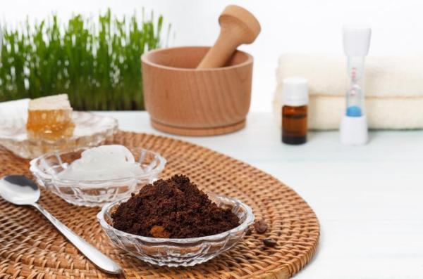 Como usar borra de café para estrias - Tratamento de óleo de coco e borra de café para estrias