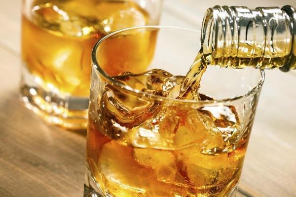 Álcool e amoxicilina faz mal? - Posso beber tomando antibiótico Amoxicilina?