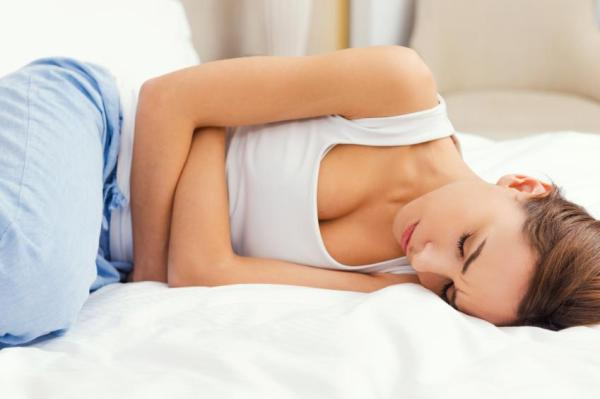 Gases no peito: sintomas e soluções - Causas dos gases no peito