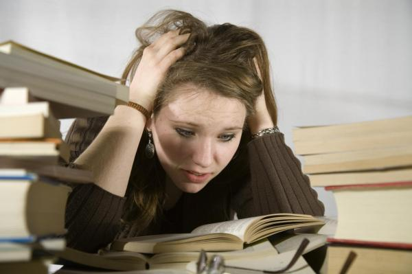 Menstruação atrasada e sou virgem: causas - Menstruação não desce mas nao estou grávida: estresse